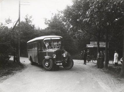 Autobus in Vught, 1934.