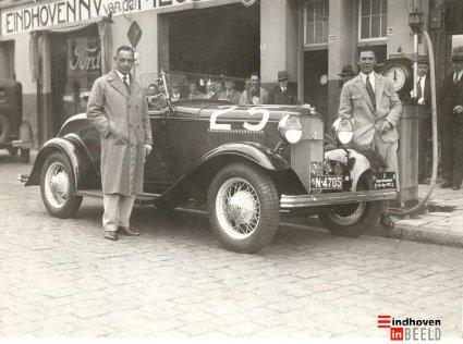 N-4705 Ford V8 Roadster, met startnummer 25 voor de Alpenrit 1932 (Collectie Eindhoven in Beeld)