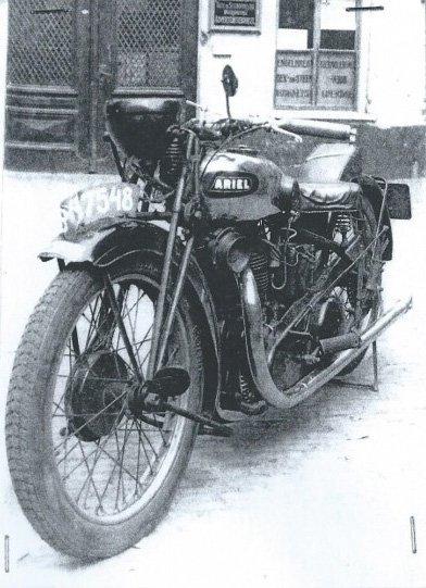 De Ariël, die in 1937 bij een ongeluk betrokken was (collectie B. Maassen)