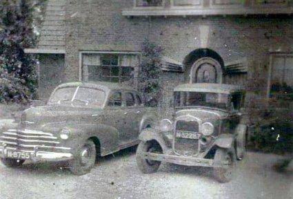 N-8755: Chevrolet 1947, N-32287: Ford A (1928-1931)