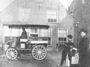 "Waalwijk, c. 1908: Peugeot type 32 ""Wagon-Tonneau""."