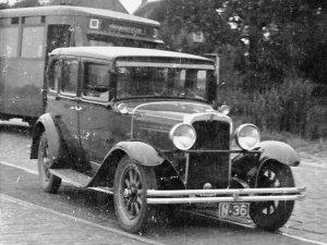 De auto van Frans Bogaers in 1929 (Collectie M. Wieberdink-Claassen)