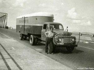 Ford (collectie P. Pietjouw. Bron: Oudedaf.nl)