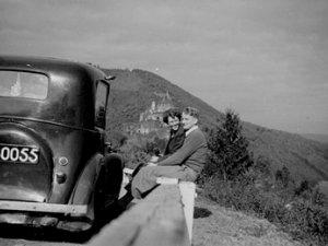Op huwelijksreis in Luxemburg, 1951 (Collectie R. Jansen-Tacke)