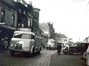 Ford (foto: collectie Piet Janssens. Bron: www.oudedaf.nl)