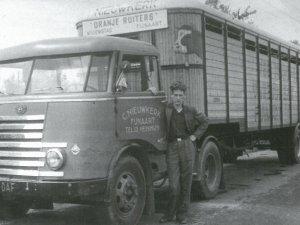 DAF truck met oplegger
