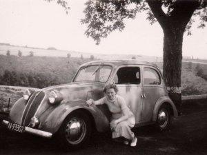 Joke van Thiel op huwelijksreis, 1947 (Collectie A. van Thiel)