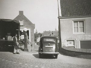 Ford Anglia, 1951 (collectie Regionaal Archief West-Brabant)