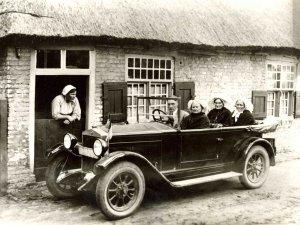 Familie Merks in een Noord-Hollandse auto