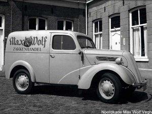 Auto van Max Wolf Zakkenhandel (Collectie J. van Oers)