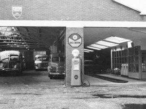 Oosterhout, Garage Bruijns in 1952.