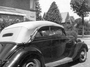 De cabrio in 1949 (foto: Collectie Malinda Keizer-Beekman)