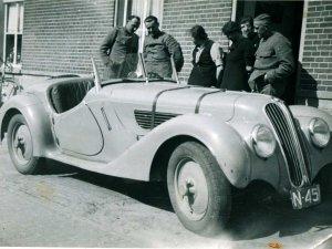 BMW (bron: familiealbum Van der Eerden; coll. Heemkundekring Schijndel)
