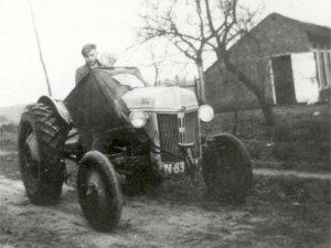 "N-83401 Ford tractor (coll. HKK ""De Kommanderij Gemert"")"