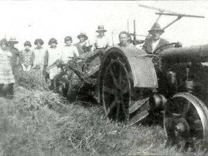 Ford tractor (bron: Aa-Kroniek 23 (2004) nr. 1, blz. 21)