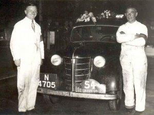 Team Van der Meulen (r.) - Daniëls (l.) bij hun Opel