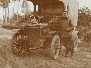 De auto van Straasheym had zowel een Nederlands als een Belgisch kenteken (part. coll.)