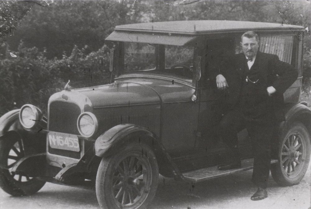 Pontiac van bakker Herman Zegers.