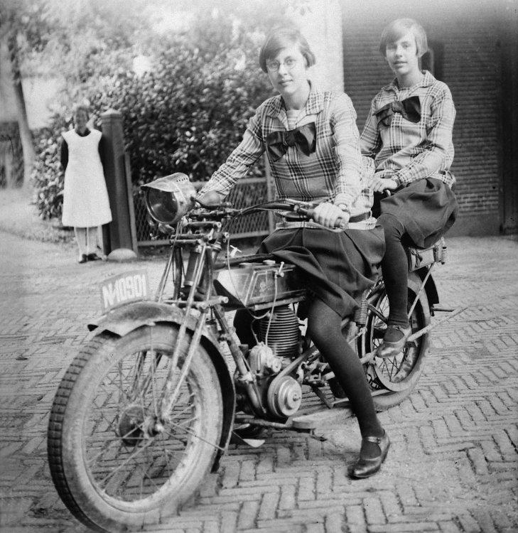 Gillet Herstal motorfiets, c. 1925.