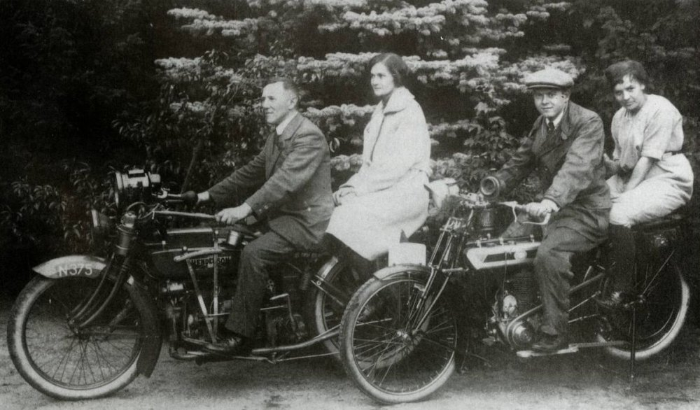 N-375 Henderson en Gillet, c. 1920  (Collectie J. Verdijsseldonck)
