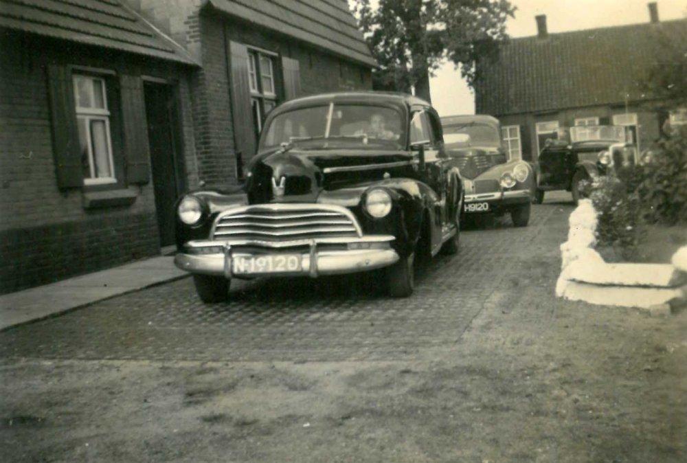 Driemaal N-19120. O.a. Chevrolet en Willys  (collectie Hkk De Elf Rotten)