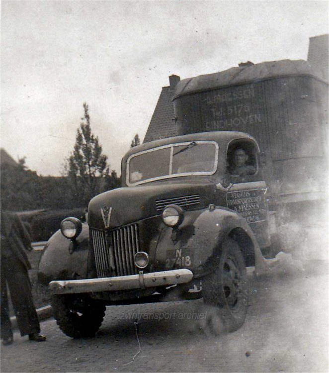 Ford V8 met DAF oplegger (coll. ZWN Transport & Nostalgie)