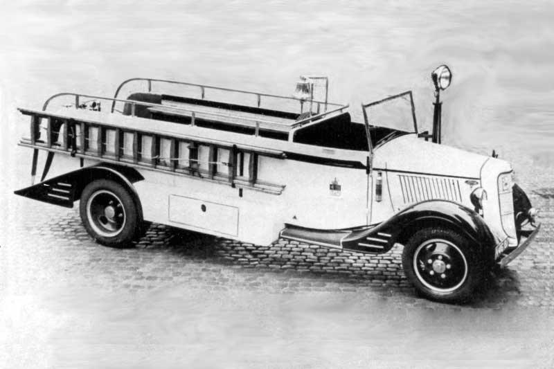 Ford V8 (brandweervoertuigenonline)