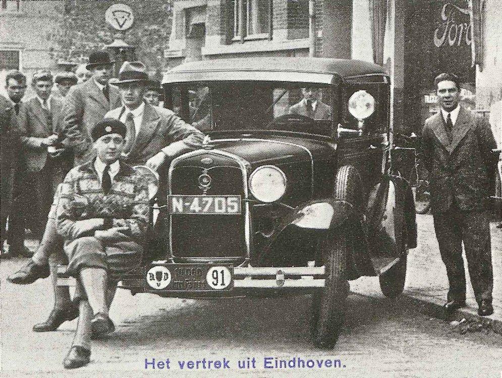 N-4705 Ford bij vertrek voor de 10.000 km. rit, 1931 (collectie I. Ramselaar-van der Meulen)