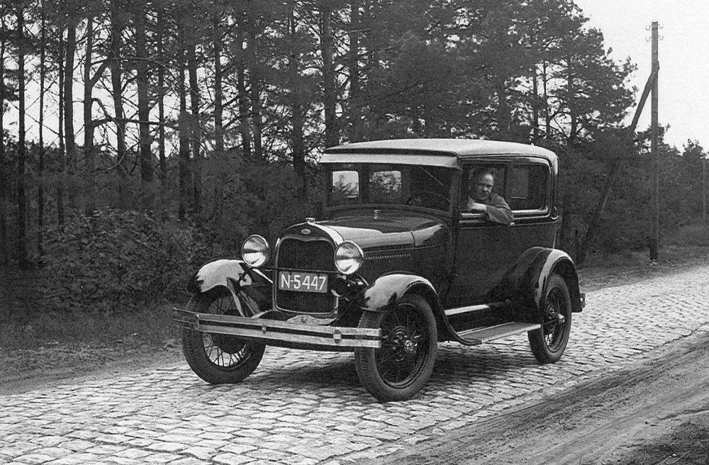 Ford (bron: Hooge Mierde kleurrijk zwart-wit bekeken)