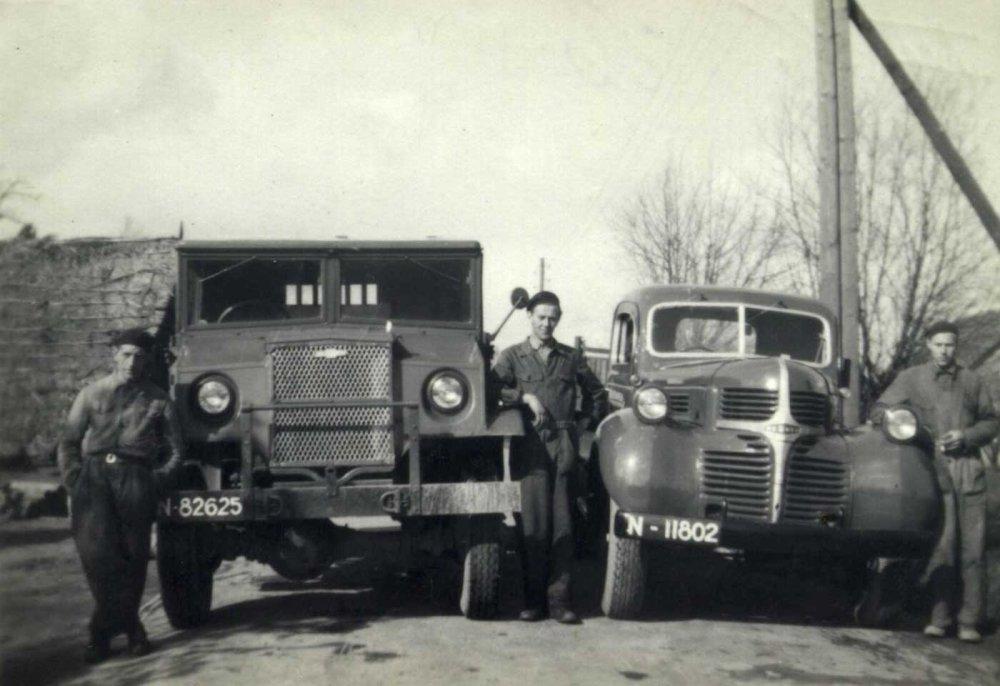 Chevrolet en DeSoto (collectie S. Verhagen)