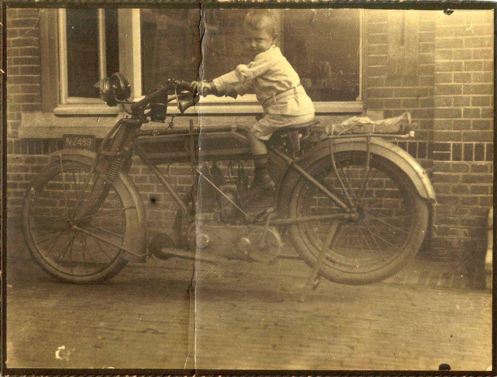 N-2489 Bron: collectie R. v. Bijnen