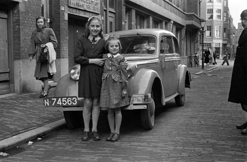Gezin Louis Weijer-Annie Scholte 1949  (foto: D. Scholte; coll. Stadsarchief Oss)